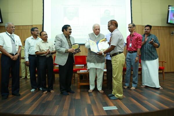 teacher award mansoor